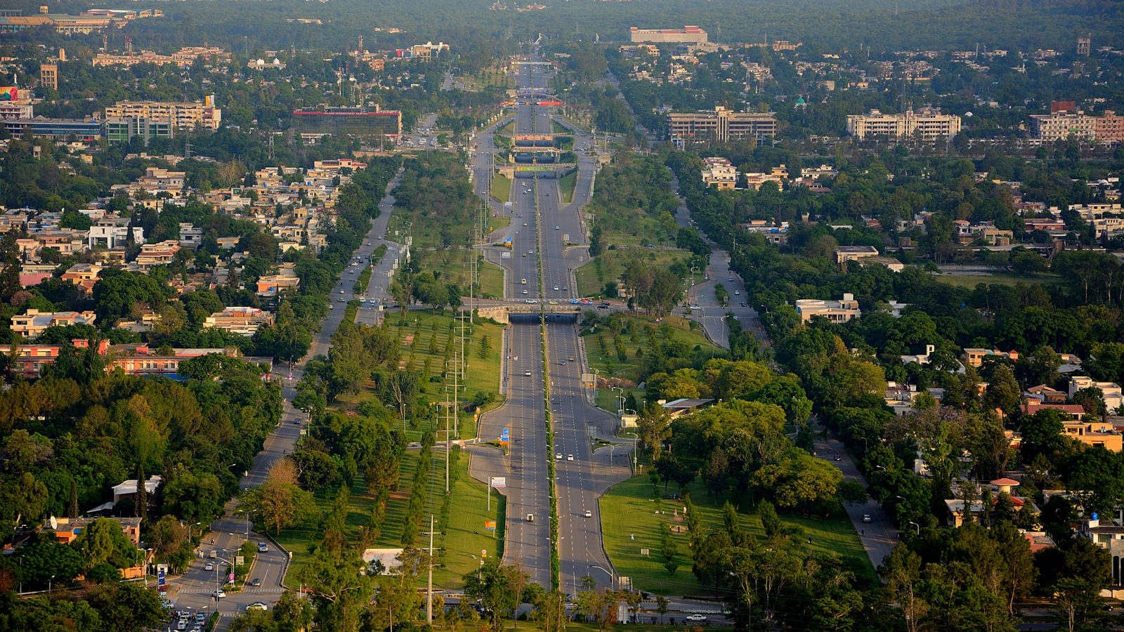 An avenue in Islamabad.
